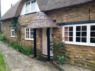 TYTHE BARN COTTAGE Ebrington, Chipping Campden, Gloucestershire