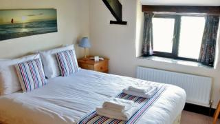 TRADITIONAL CORNISH TWO BEDROOM COTTAGE Houndapitt Farm Cottages, Sandymouth Bay, Bude