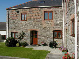 LOWER MILL Hawksland Mill Cottages, Wadebridge / Padstow, North Cornwall